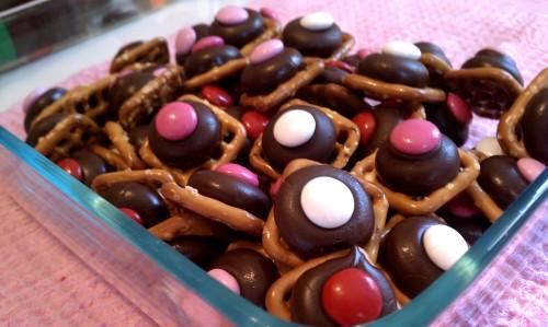Valentine's M&M Pretzel Bites