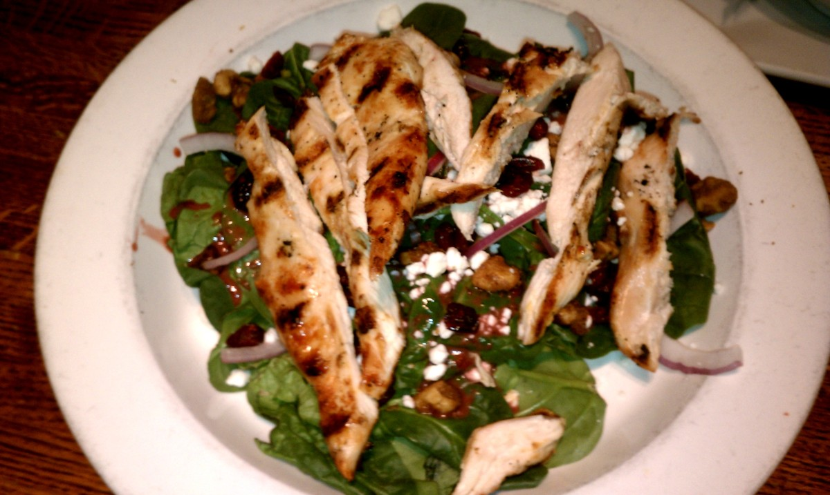 Tommy Doyle's Grilled Chicken Salad