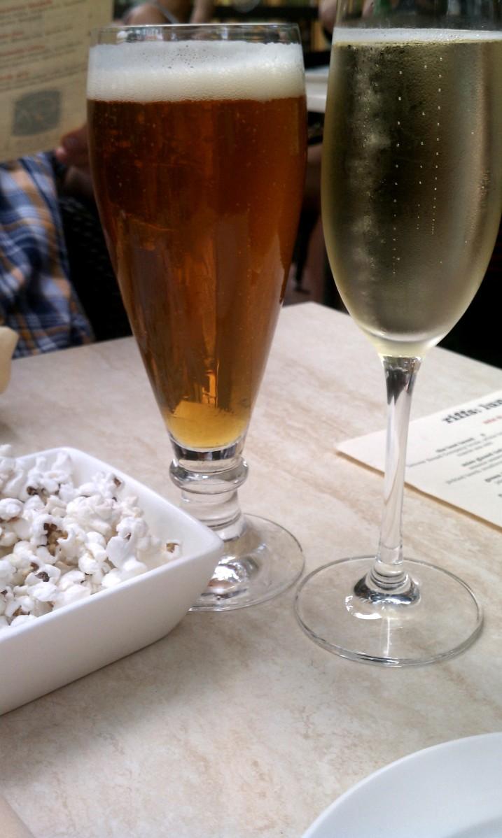 Pearl Street drinks at Riffs