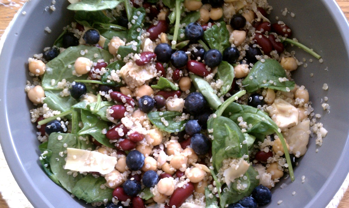 Quinoa Salad with Yogurt Dressing
