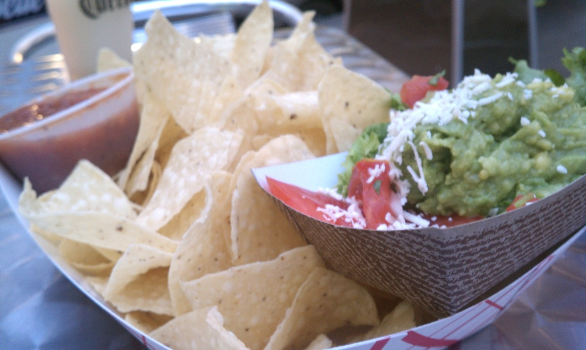 Denver - The Black Crow Chips & Guac
