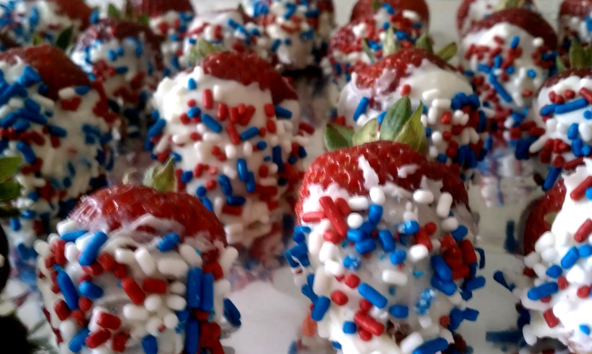 4th of July White Chocolate Covered Strawberries