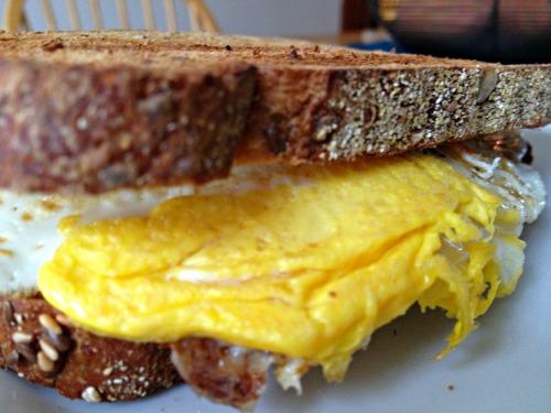 Egg breakfast sandwich
