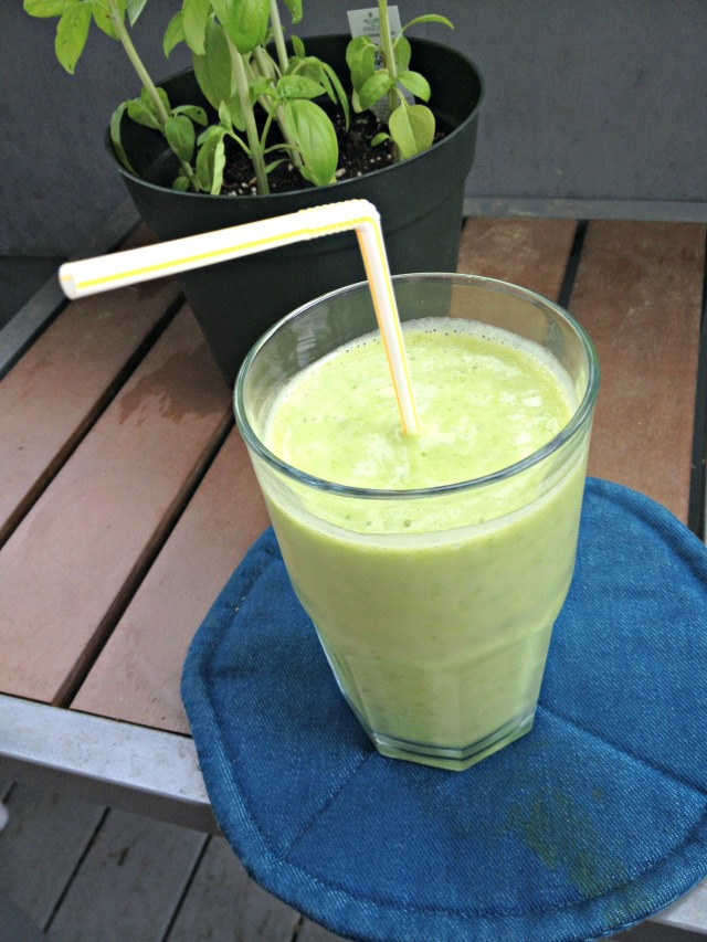 Tropical Kale Smoothie