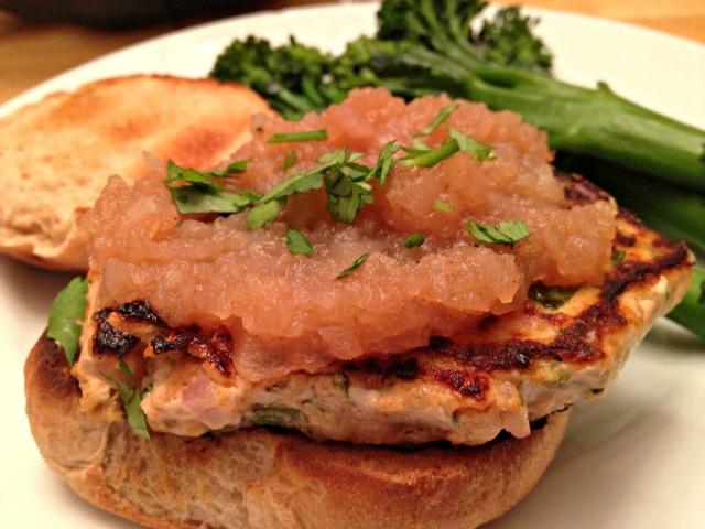 Apple salmon burgers