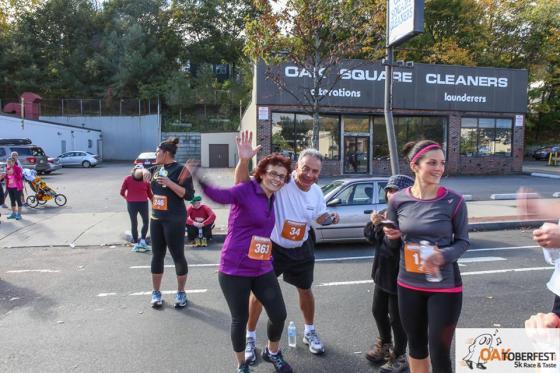 Oaktoberfest Race & Taste: Mom at end